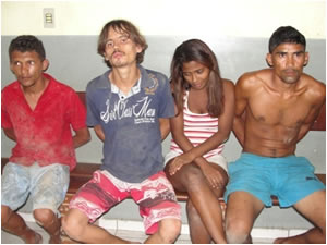 Da esq. para dir.: Tiago Melo, Cícero Jr, Ciane Silva e Wellington França foram presos por PMs do 8º BPM
