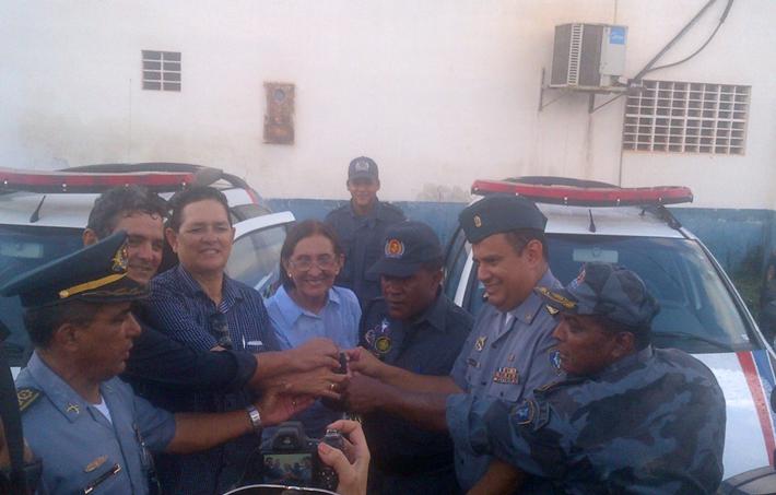 Momento da entrega das viaturas pelo coronel Zanoni aos Comandantes de Destacamentos da PMMA na cidade de Viana