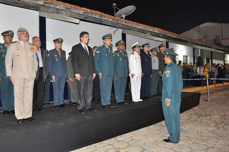 2 Coronel Furtado apresentando a tropa a Coronel Alves