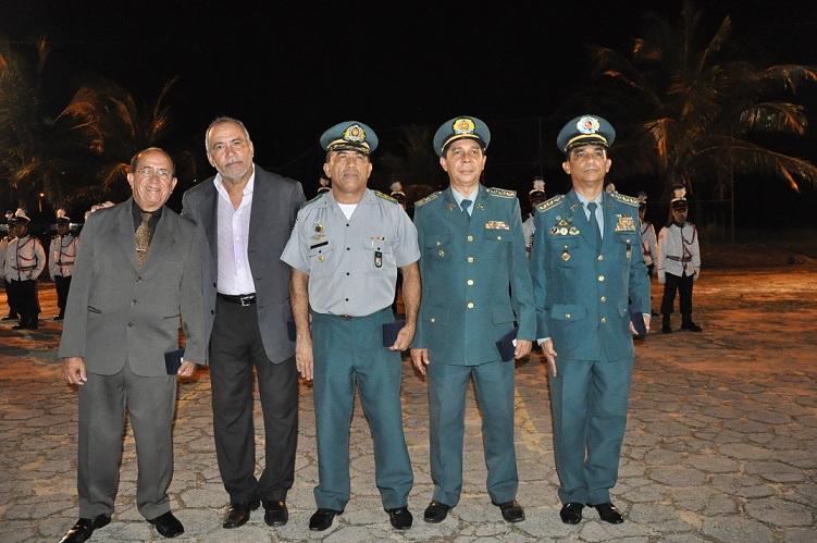 5 Comandante e ex-comandantes da Academia