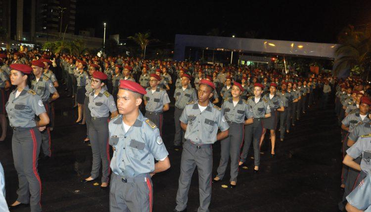 Homenagens e premiações marcam entrega da boina aos novos alunos do Colégio Militar Tiradentes em São Luís
