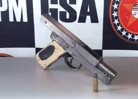 1º BPM aprende arma de fogo no Bairro do Anjo da Guarda