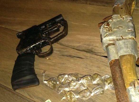 2º BPM apreende armas de fogo e prende suspeito de praticar assaltos em Caxias