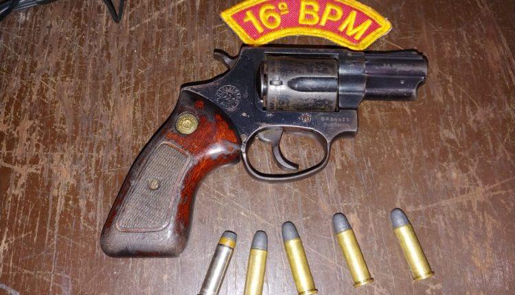 Polícia Militar prende homem com arma de fogo em Santa Quitéria