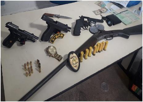 PM prende foragido da justiça com várias armas e munições em Imperatriz