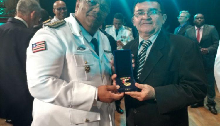 AGENTE ESTADUAL DE EXECUÇÃO PENAL RECEBE A MEDALHA BRIGADEIRO FALCÃO