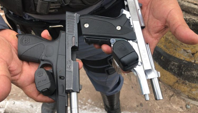Policiais do 9º BPM apreendem duas armas de fogo
