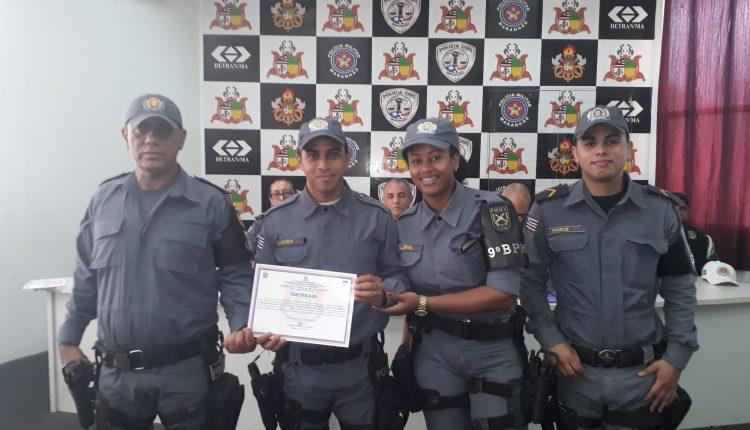 POLICIAIS E AUTORIDADES SÃO HOMENAGEADOS EM SOLENIDADE NO  9º BPM