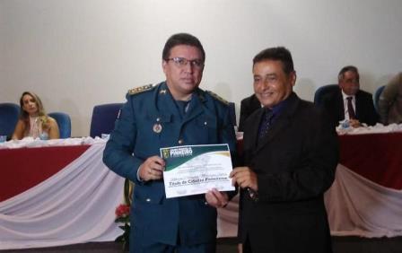 Comandante e Subcomandante do 10° BPM recebem título de Cidadão Pinheirense