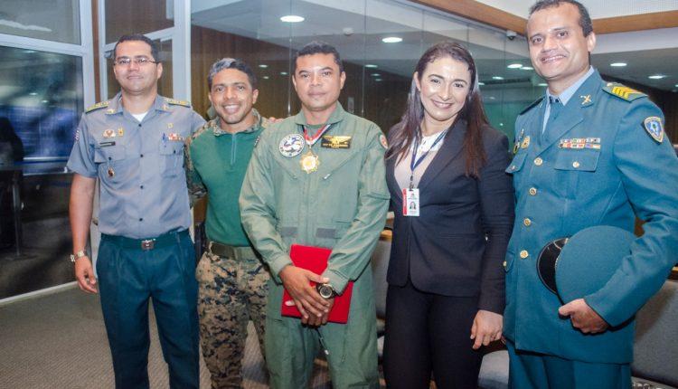 Sargento PM Josemberg Aquino é condecorado com medalha na Assembleia Legislativa do Maranhão