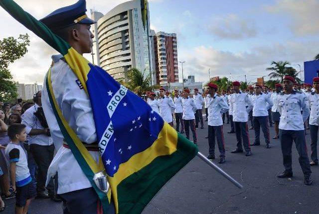 Colégio Militar Tiradentes I realiza solenidade de formatura dos alunos do Ensino Médio