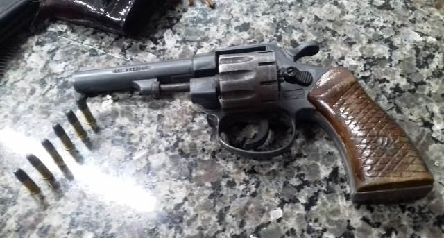 PM apreende arma de fogo em Timon