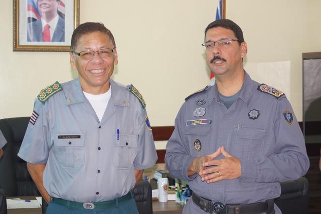 Coronel Antônio Roberto recebe homenagens da PM por seus trinta anos de serviço