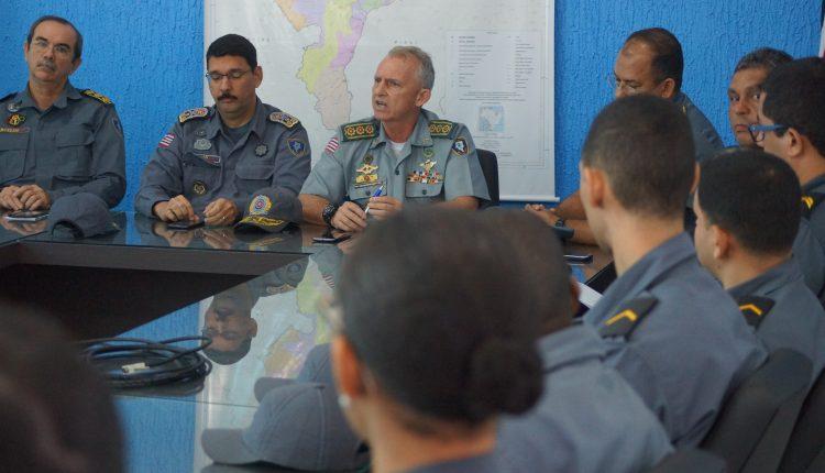 Policiais militares participam de reunião com diretor de Gestão e Tecnologia da Informação da PM