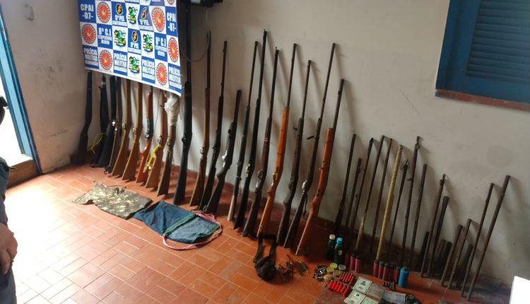 Policiais militares do 28º BPM apreendem 21 armas de fogo em Cantanhede MA