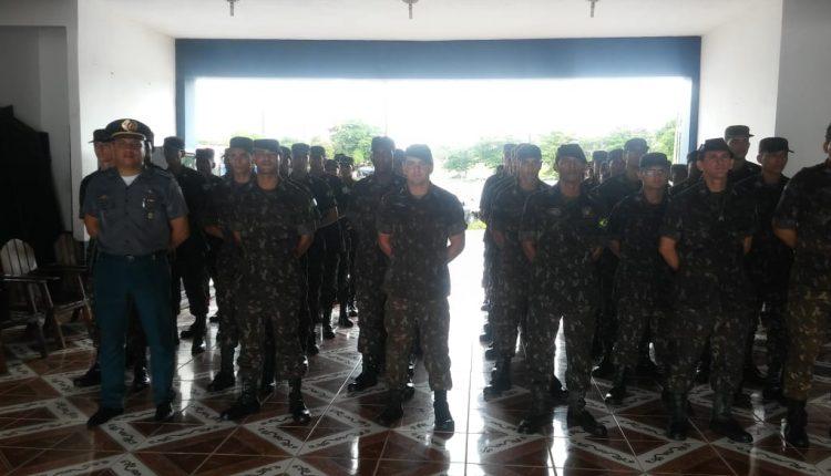 OFICIAIS DA POLÍCIA MILITAR RECEPCIONAM 40 ALUNOS DO NÚCLEO DE PREPARAÇÃO DE OFICIAIS DA RESERVA (NPOR) DO 24° BIL