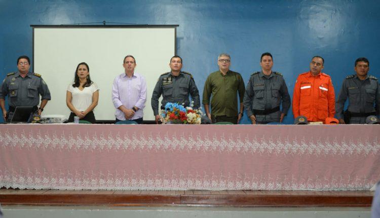 2º BPM realiza formatura para homenagear policiais do batalhão