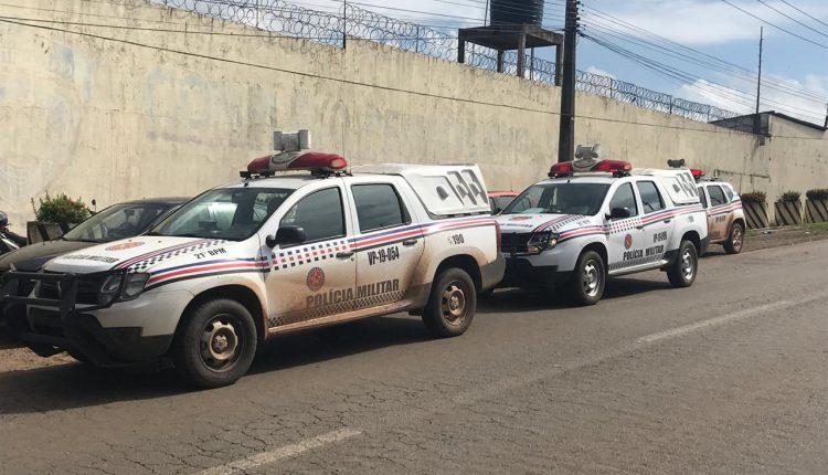 Policiais do 21º BPM prendem homens que arremessavam celulares para dentro da Penitenciária de Pedrinhas