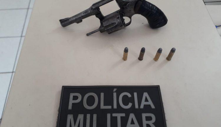 HOMEM É PRESO COM ARMA DE FOGO NA CIDADE DE CAXIAS