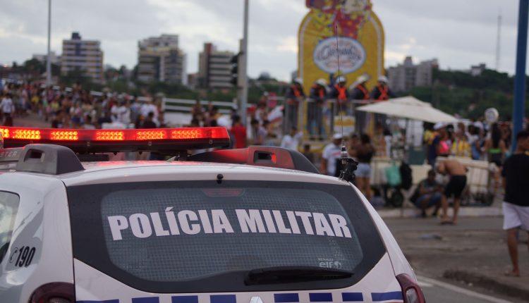 Polícia Militar garante alegria dos foliões em mais uma noite de carnaval nos circuitos oficiais do governo