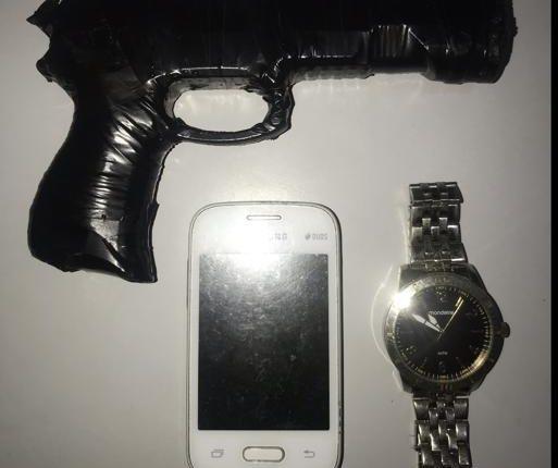 PM prende assaltantes com arma de fogo falsa no Bairro da Forquilha