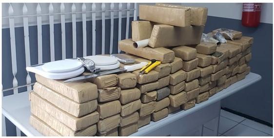 PMMA apreende cerca de 78 kg de drogas em ação no Bairro Sol e Mar