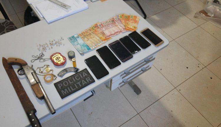 Policiais militares do 31º BPM apreendem armas e drogas em Carutapera