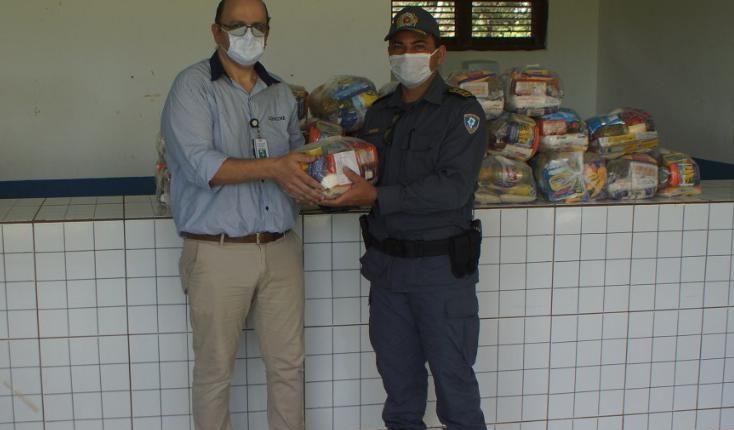 Famílias atendidas pela Equoterapia recebem doação de cestas básicas doadas por empresa