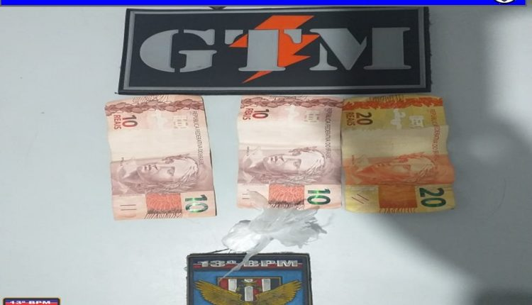 Drogas e veículo roubado são apreendidos por policiais militares do 13º BPM
