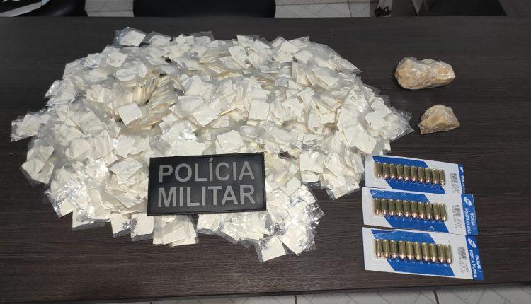 Polícia Militar prende mulher com drogas e munições em Vargem Grande